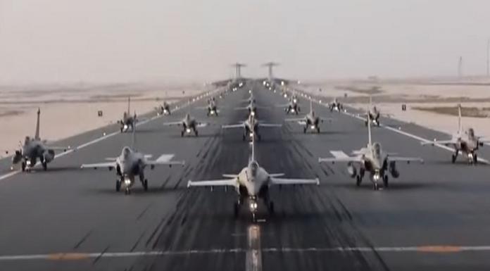 """Katar Hava Kuvvetleri """"fil yürüyüşü"""" gerçekleştirdi"""