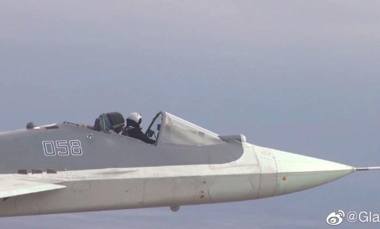 Su-57'den kanopisiz uçuş